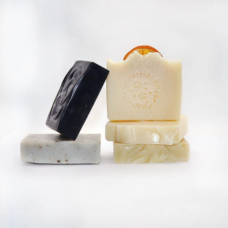 Detox Charcoal Face & Body Bar - Vegan, Palm Oil-Free Soap -100% Natural Ingredients - www.wicksandreeds.com