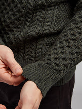 Load image into Gallery viewer, Traditional Aran Knit Sweater