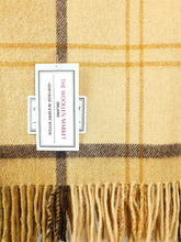 Load image into Gallery viewer, The Jenkinstown Lambswool Throw