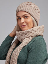 Load image into Gallery viewer, The Inis Oir Aran Knit Scarf