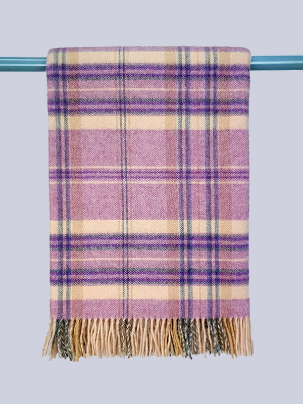 The Crookhaven Lambswoool Throw