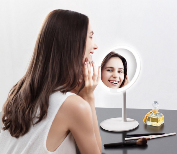 Makeup  light desk cosmetic mirrors