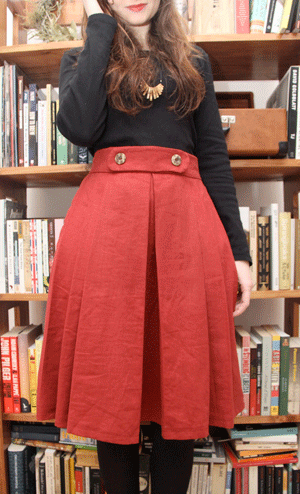 Finished skirt in red linen