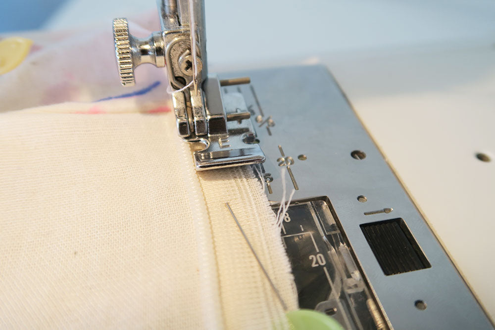 Sewing the zip with a regular foot