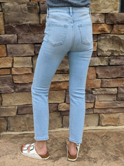 HIGH RISE STRAIGHT DENIM
