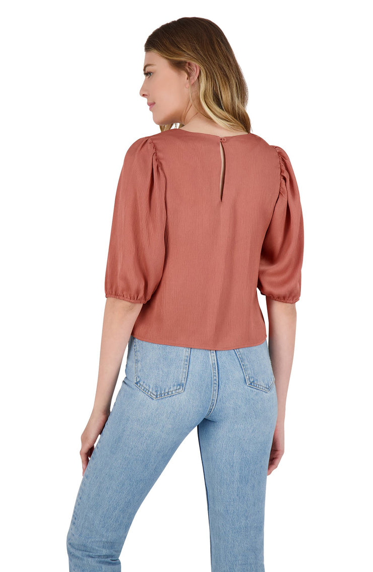 SLEEVE ME IN CHARGE TOP