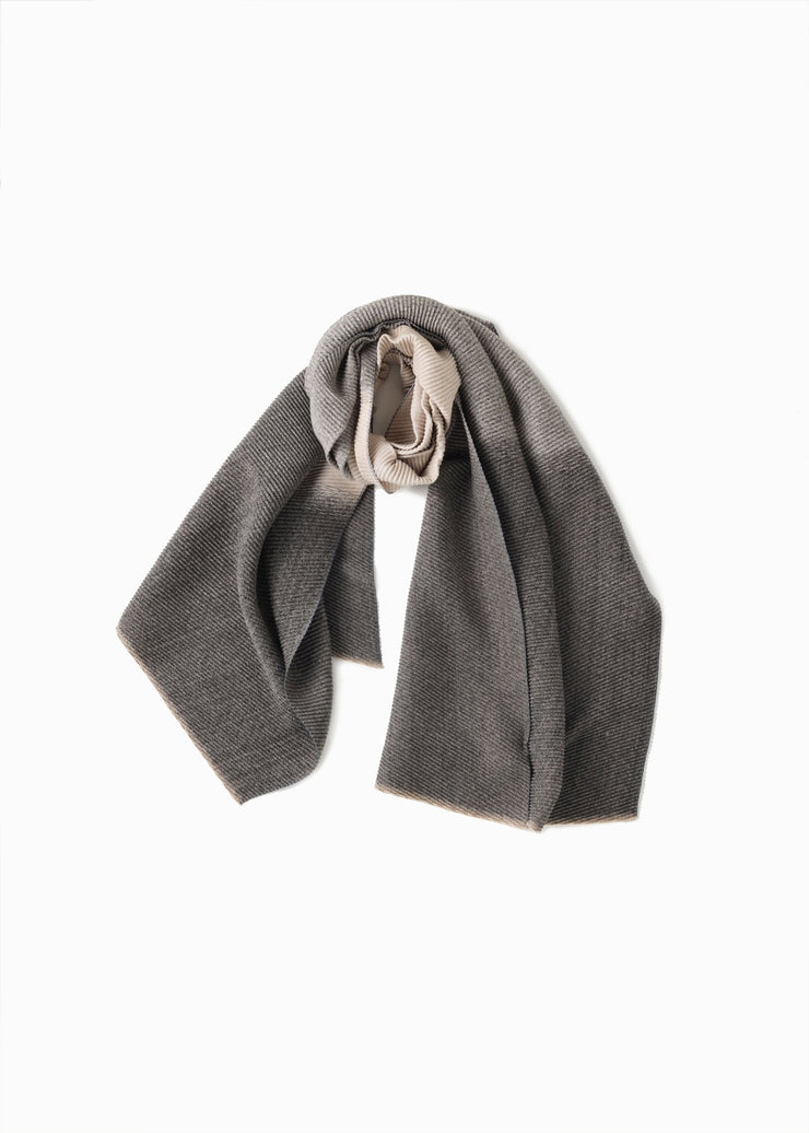 GRADIANT PLEATS SCARF