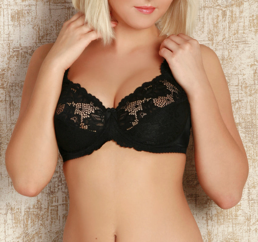 Women's soft cup Bra in Black color (8444)