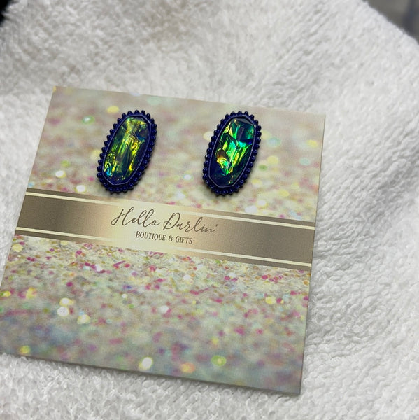 Holographic studs