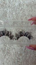 Load and play video in Gallery viewer, Butterfly Lashes 16mm