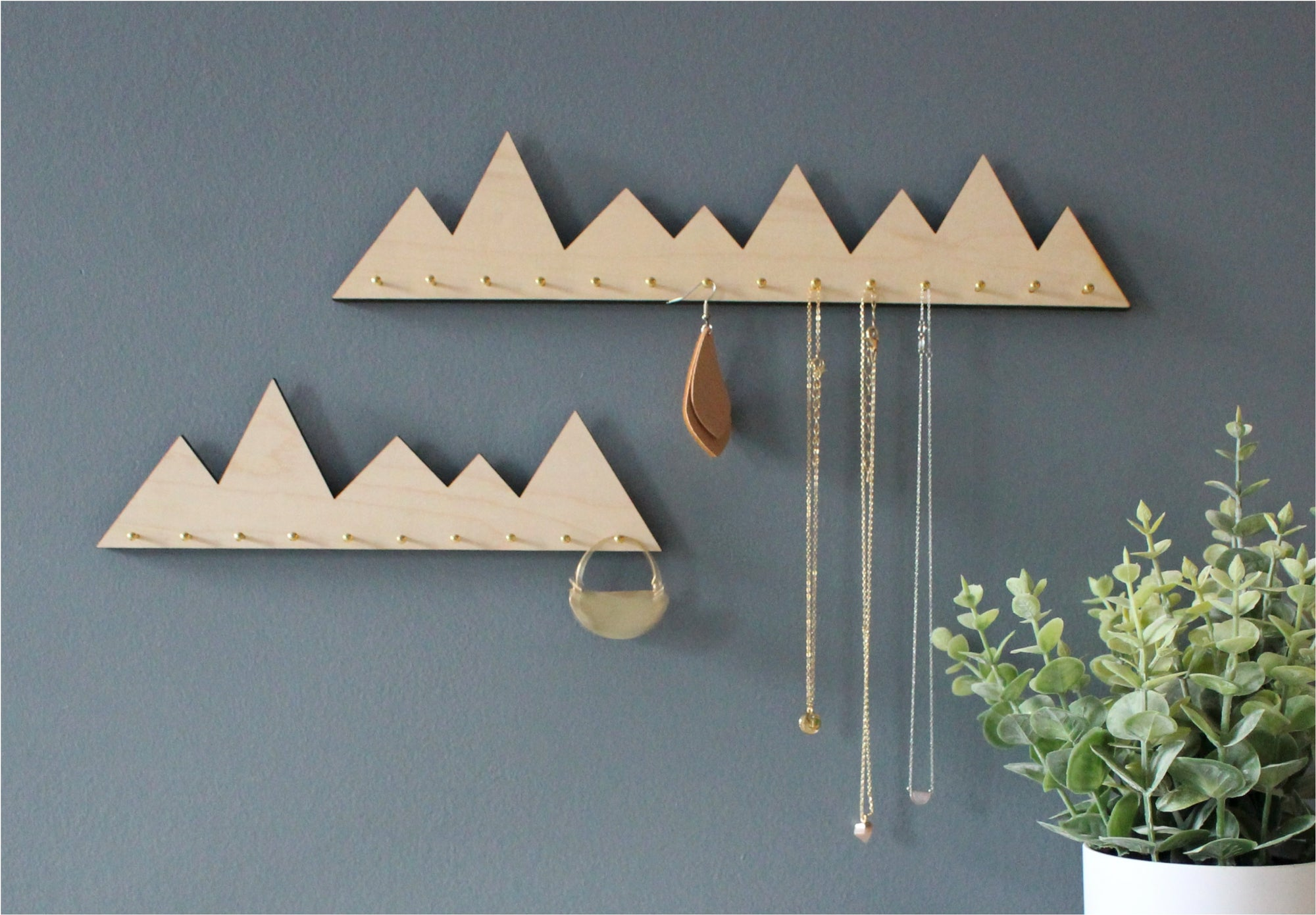 2-Piece Mountain Necklace Organizers
