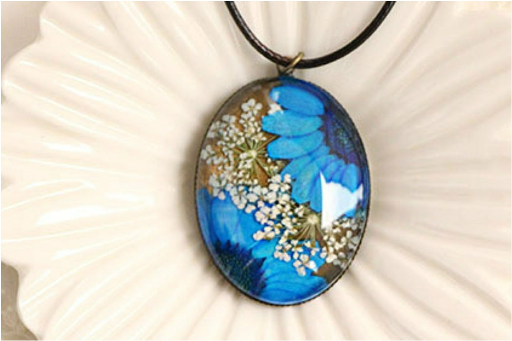 Surprise Real Dried Flower Necklace (styles will vary)