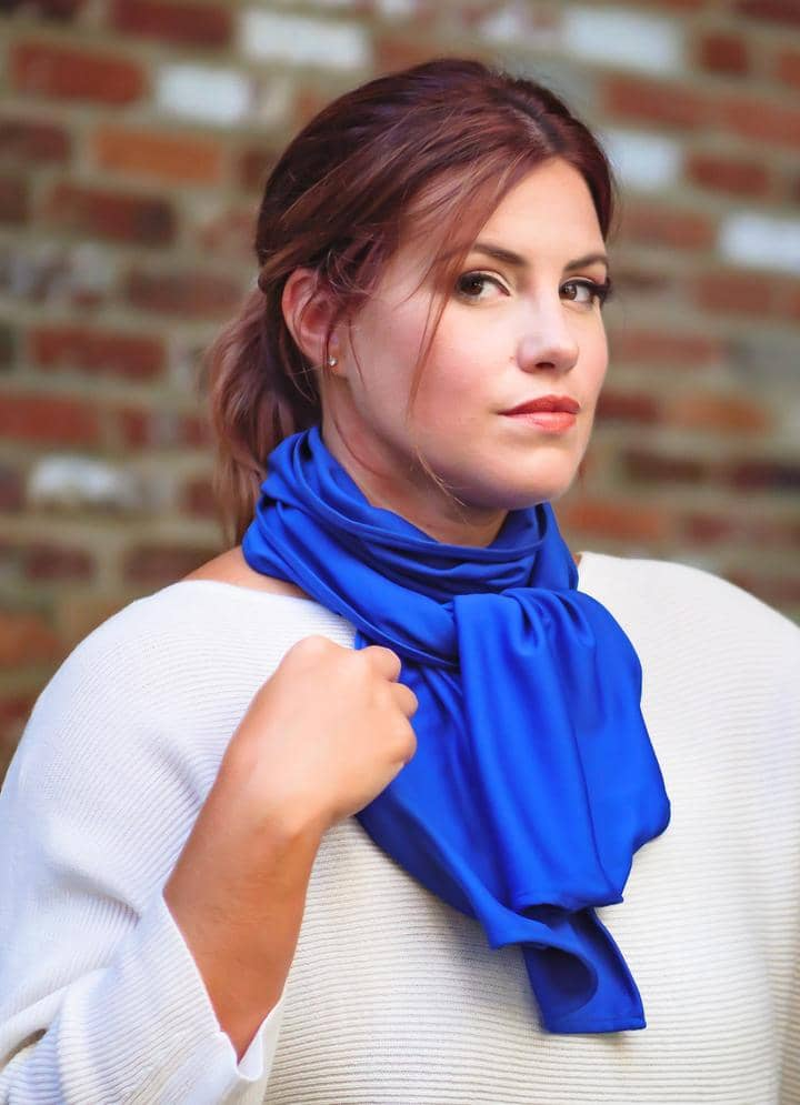 The Geenie Travel Scarf Transforms From a Stylish Accessory to a Face Covering in Seconds