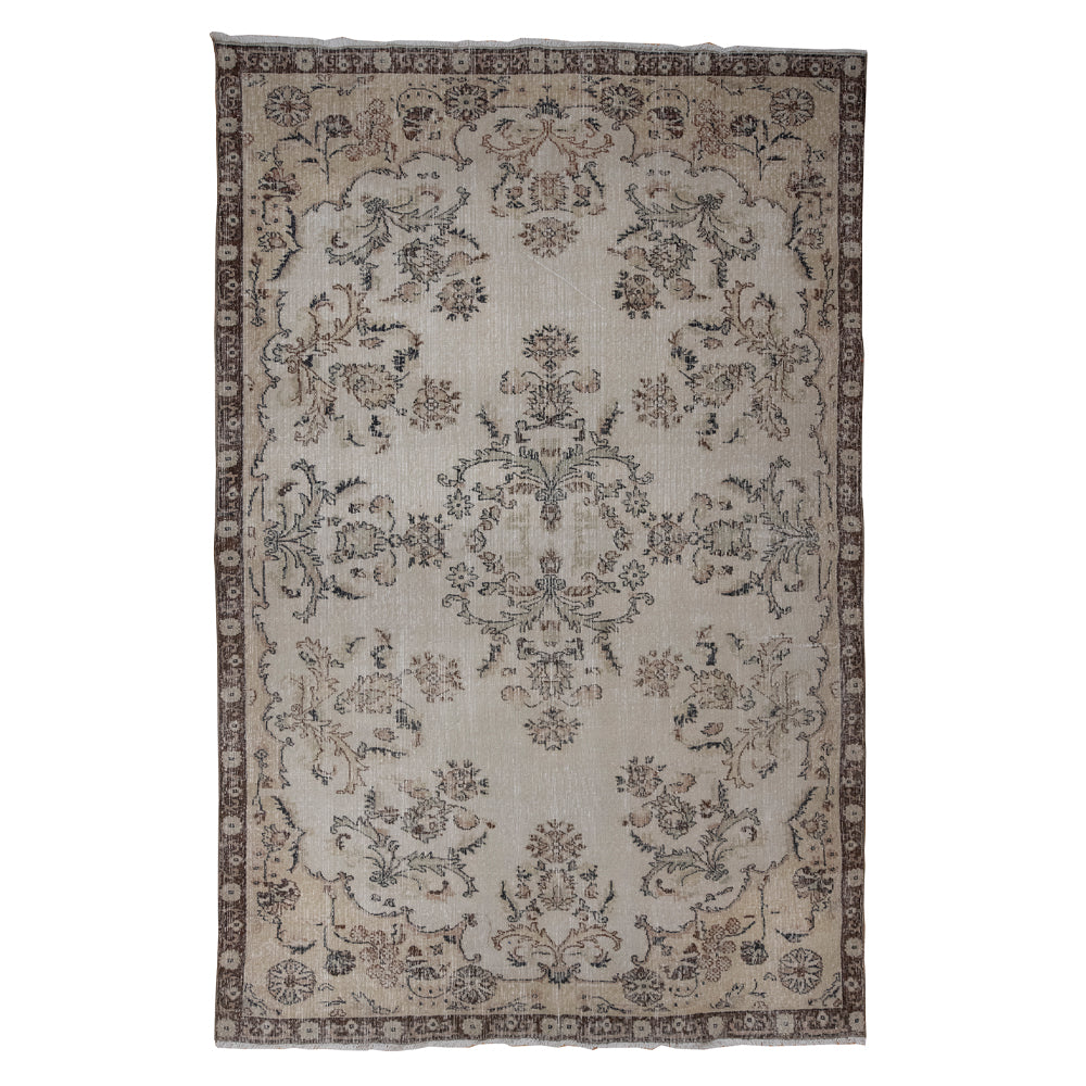 Load image into Gallery viewer, 'April' Vintage Rug (6 x 10)