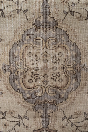 Load image into Gallery viewer, 'Grey' Vintage Rug (4 x 6)