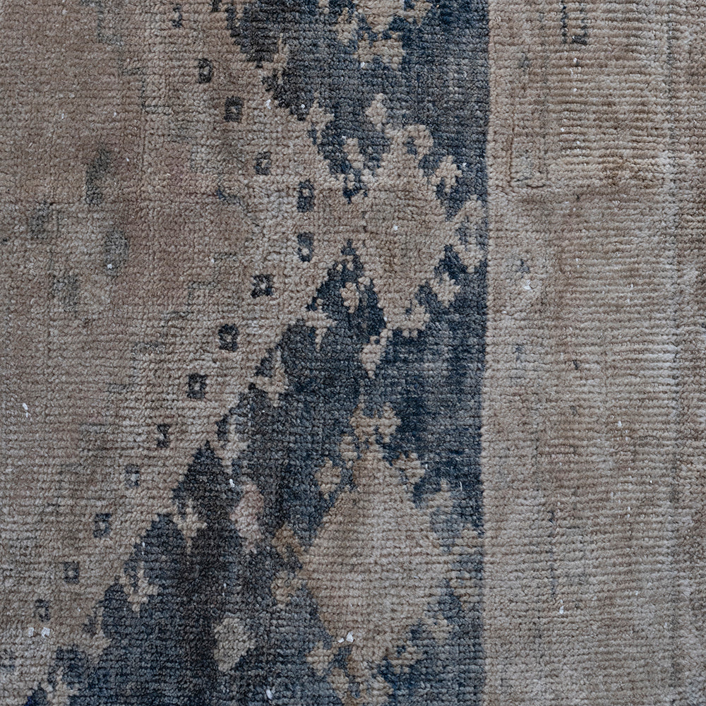 Load image into Gallery viewer, 'Levi' Vintage Rug (2 x 5)