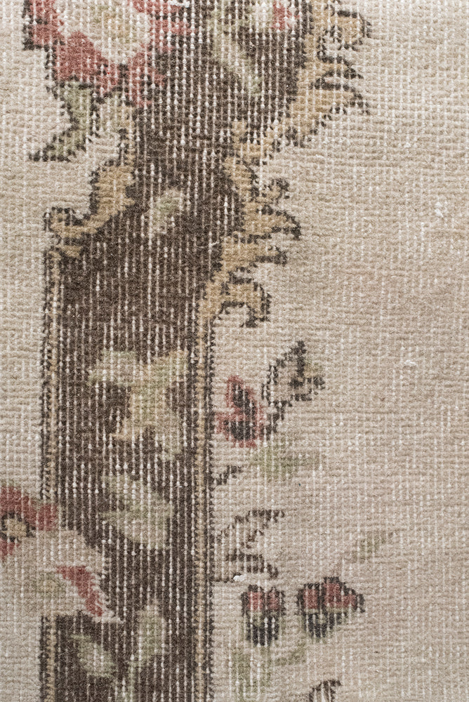 Load image into Gallery viewer, 'Vine' Vintage Rug (3 x 6)