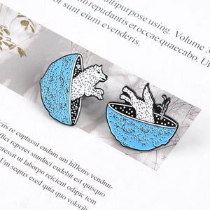 Planet jumping Wolf Enamel Pins (2PCS) - CoolSticker