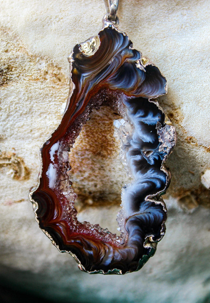 Collier Agate Brune