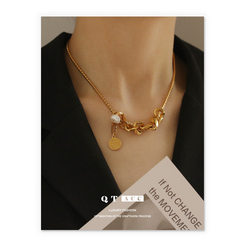 Hip hop personality clavicle necklace