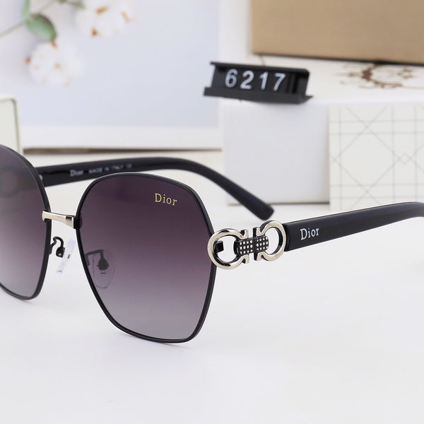Gradient trendy hollow letter sunglasses