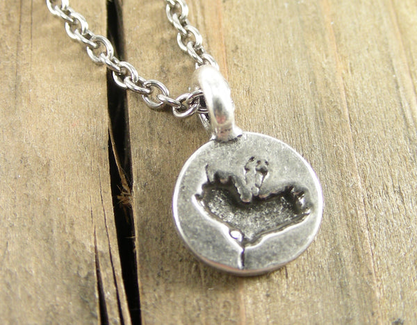 Poppy Sillhouette Charm Necklace - Pewter