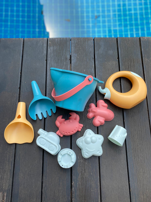 Sunset Beach Bucket Set