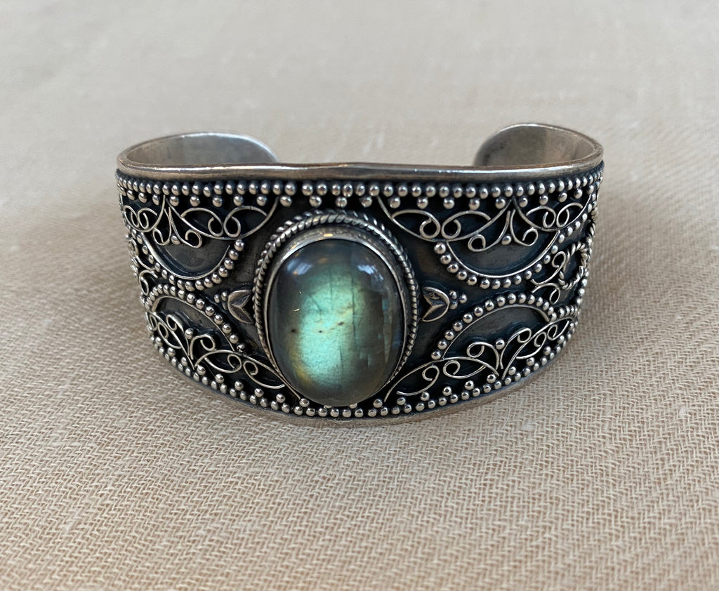 Detailed Labradorite Sterling Cuff