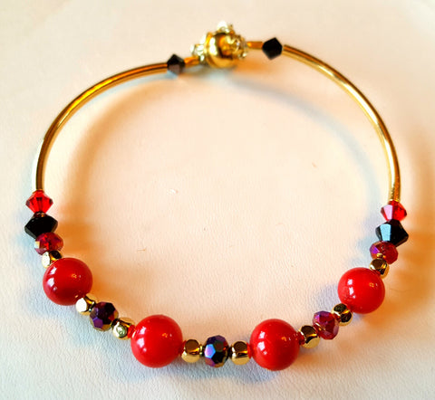 Crystal Magnetic Clasp Bracelet #041 RED Crystals, Gold Colored Side Bars, & Safety Chain