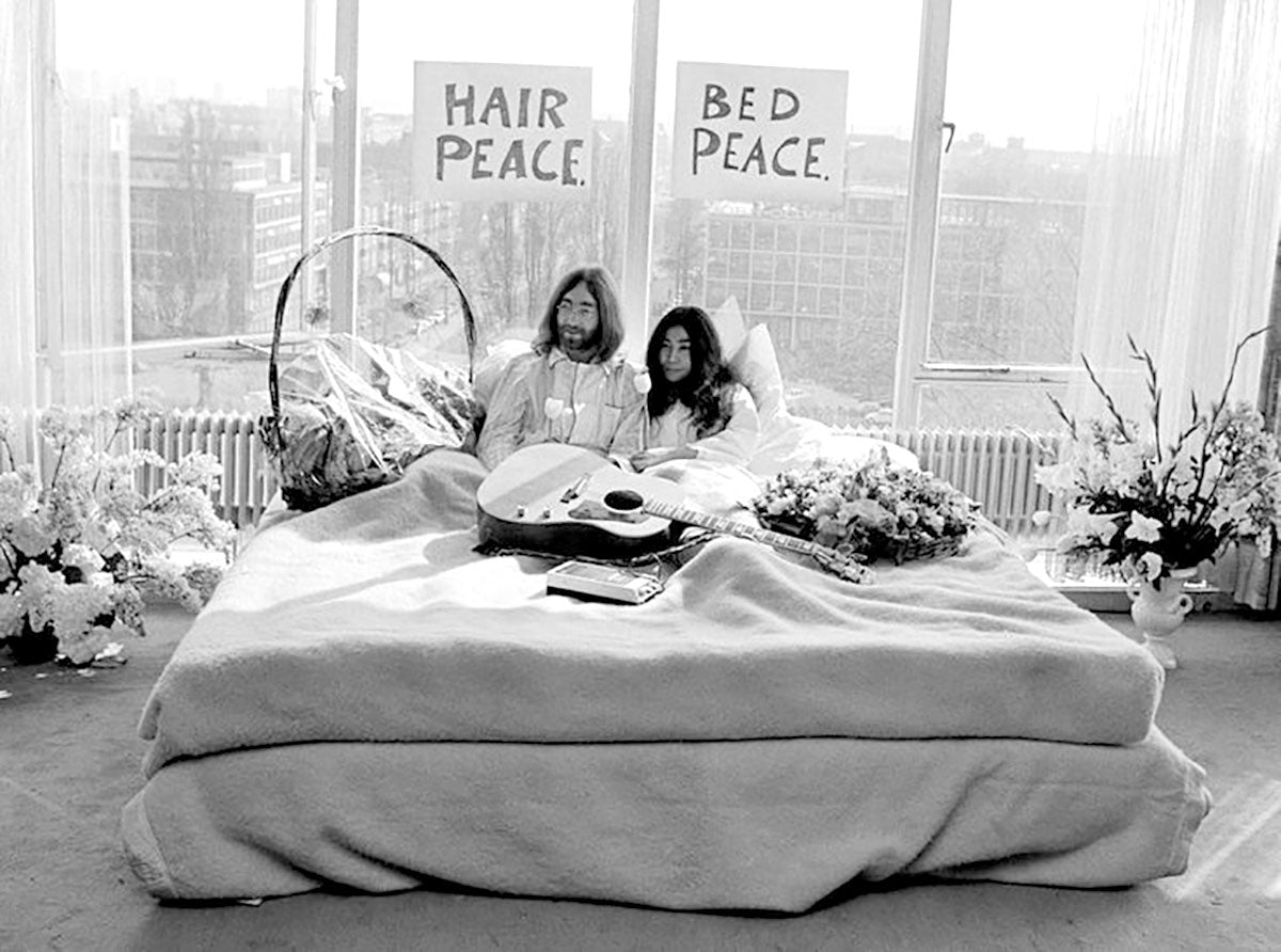 Province of Canada - John Lennon and Yoko Ono in Montreal
