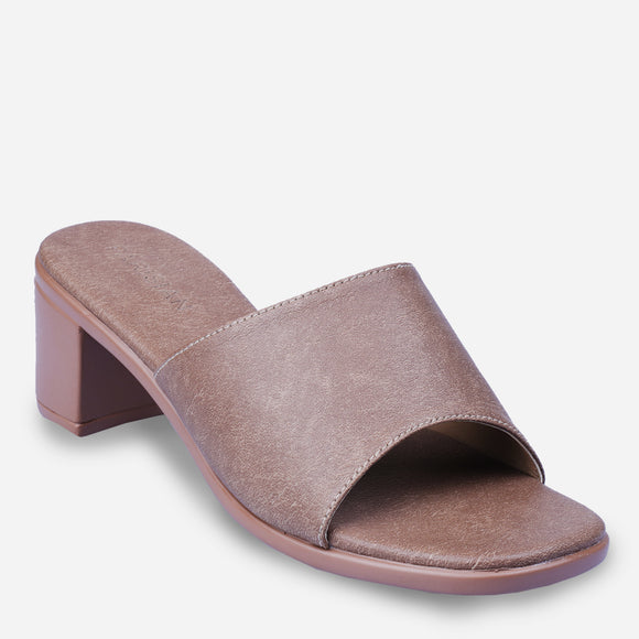 Parisian Women's Ella Heeled Slip-ons in Brown