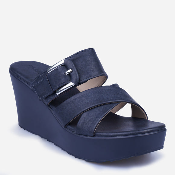 Parisian Women's Darsie Wedge Slip-ons
