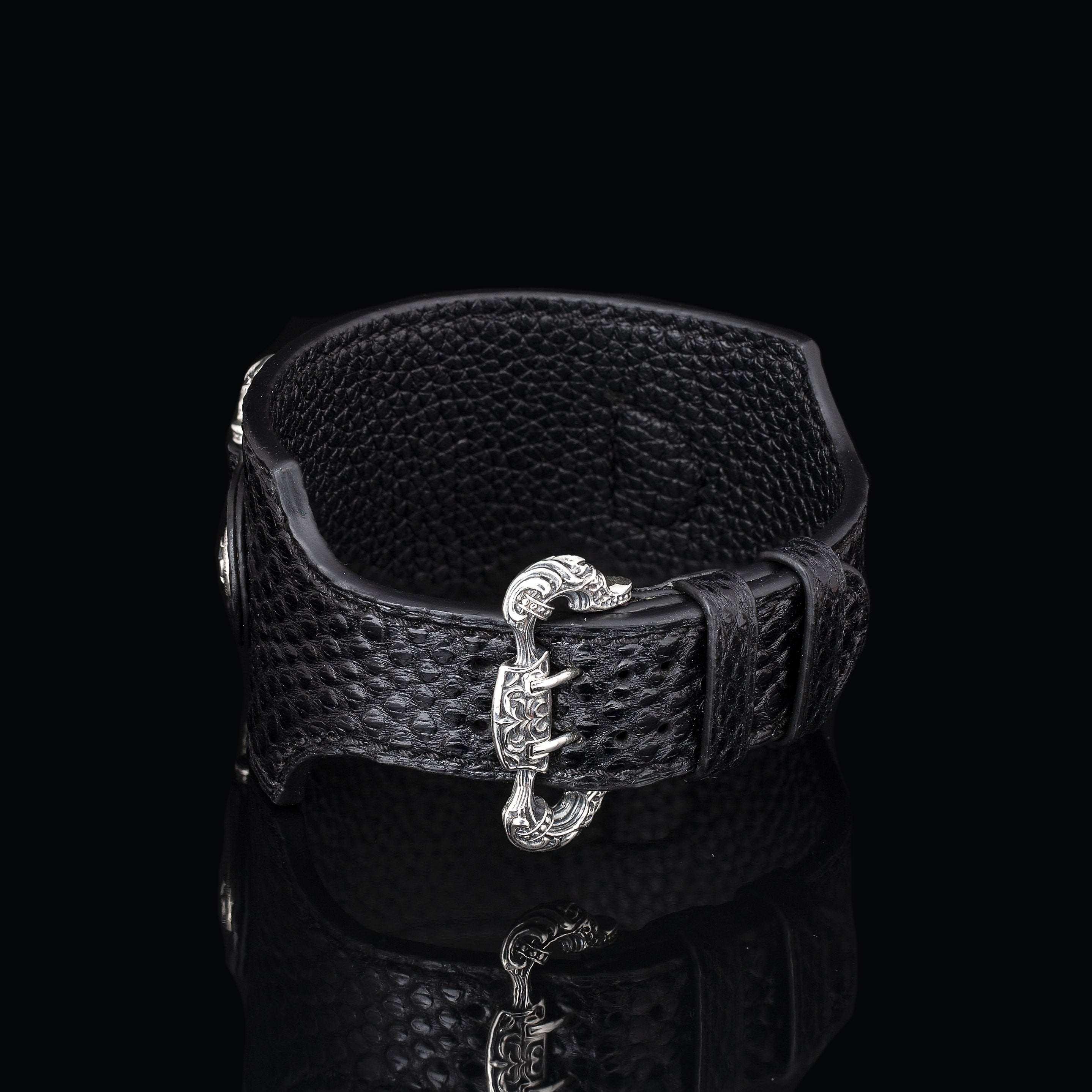 Inquisitor Cuff Bracelet (Carung)