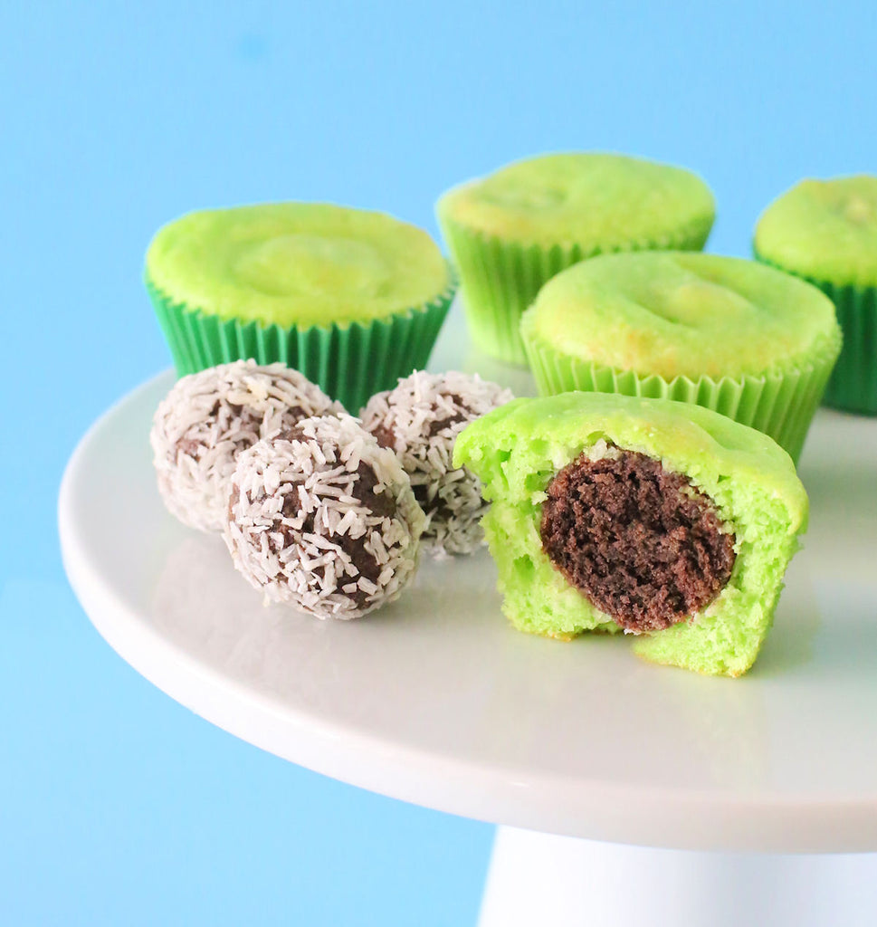 Surprise Coconut Key Lime Cupcakes | www.bakerspartyshop.com