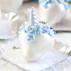 Unicorn Chocolate Covered Strawberries | wwww.bakerspartyshop.com
