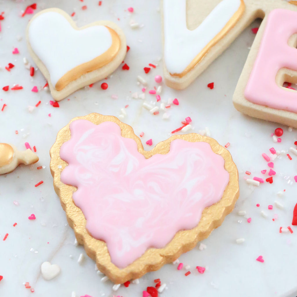 Valentine's Day Cookie Decorating Ideas | www.bakerspartyshop.com