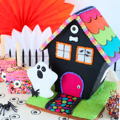 Cookie Haunted House Halloween Party Display | www.bakerspartyshop.com