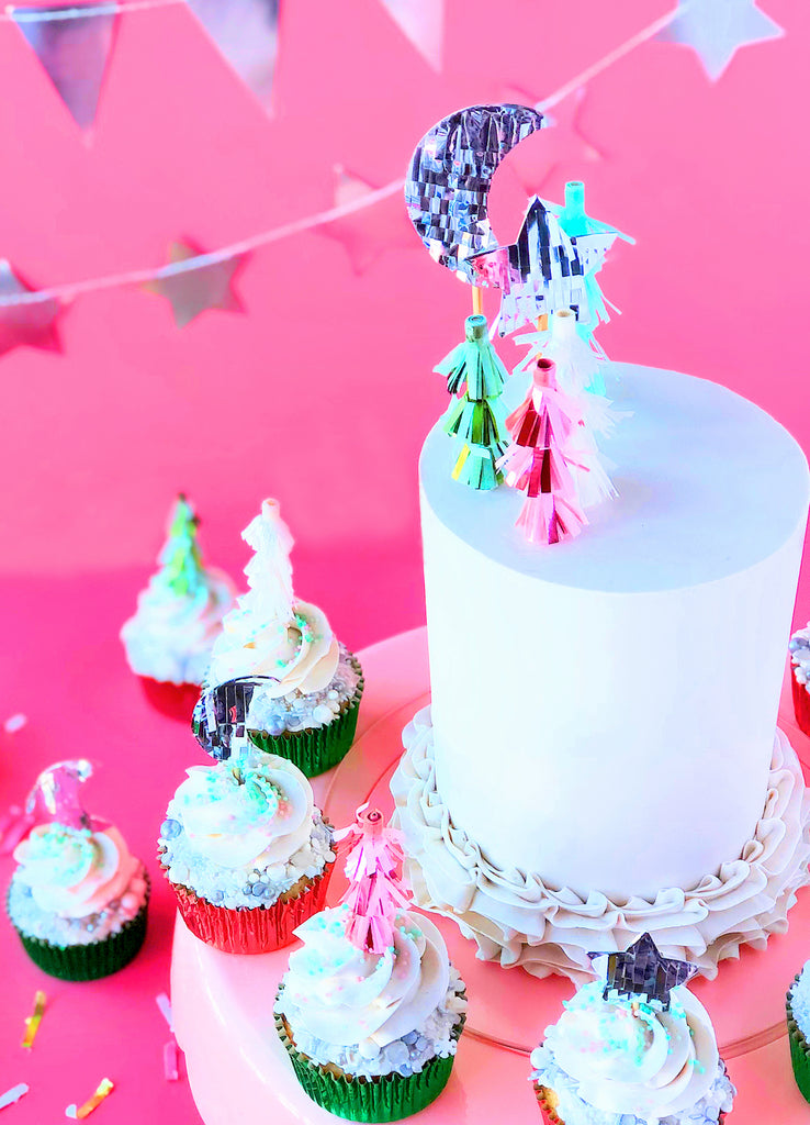 Festive Woodland Cake + Cupcakes Display | www.bakerspartyshop.com