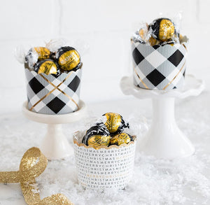 Christmas Baking Cups: Black + Gold | www.bakerspartyshop.com