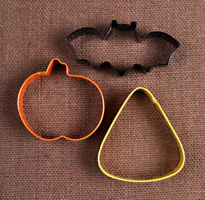 Halloween Cookie Cutters: Pumpkin, Candy Corn & Bat | www.bakerspartyshop.com