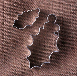 Christmas Holly Cookie Cutters | www.bakerspartyshop.com