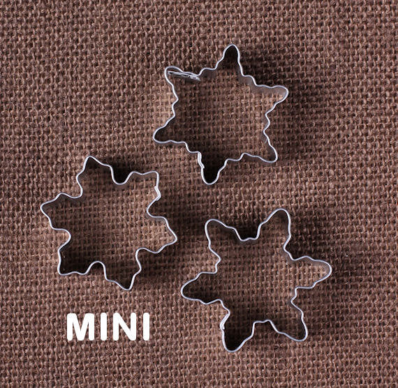 Mini Snowflake Cookie Cutters | www.bakerspartyshop.com
