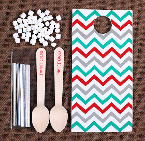 Christmas Hot Cocoa Spoon Kit: Chevron | www.bakerspartyshop.com