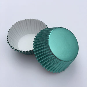 Foil Mint Green Cupcake Liners | www.bakerspartyshop.com