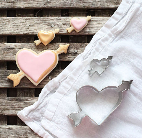 Heart and Arrow Cookie Cutter Set | www.bakerspartyshop.com