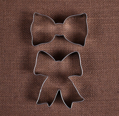 Bow Cookie Cutters | www.bakerspartyshop.com