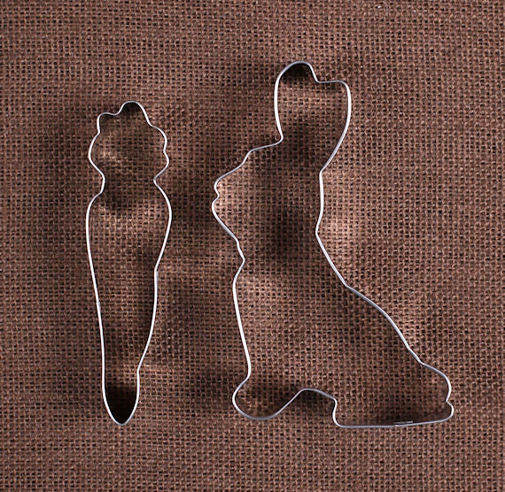 Easter Cookie Cutters: Bunny Rabbit and Carrot | www.bakerspartyshop.com