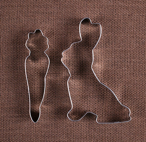 Easter Cookie Cutters: Bunny Rabbit and Carrot | www.bakerspartyshop.com - 1