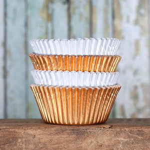 Foil Cupcake Liners: White & Copper | www.bakerspartyshop.com