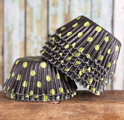 Bulk Black Cupcake Liners: Lime Polka Dots | www.bakerspartyshop.com